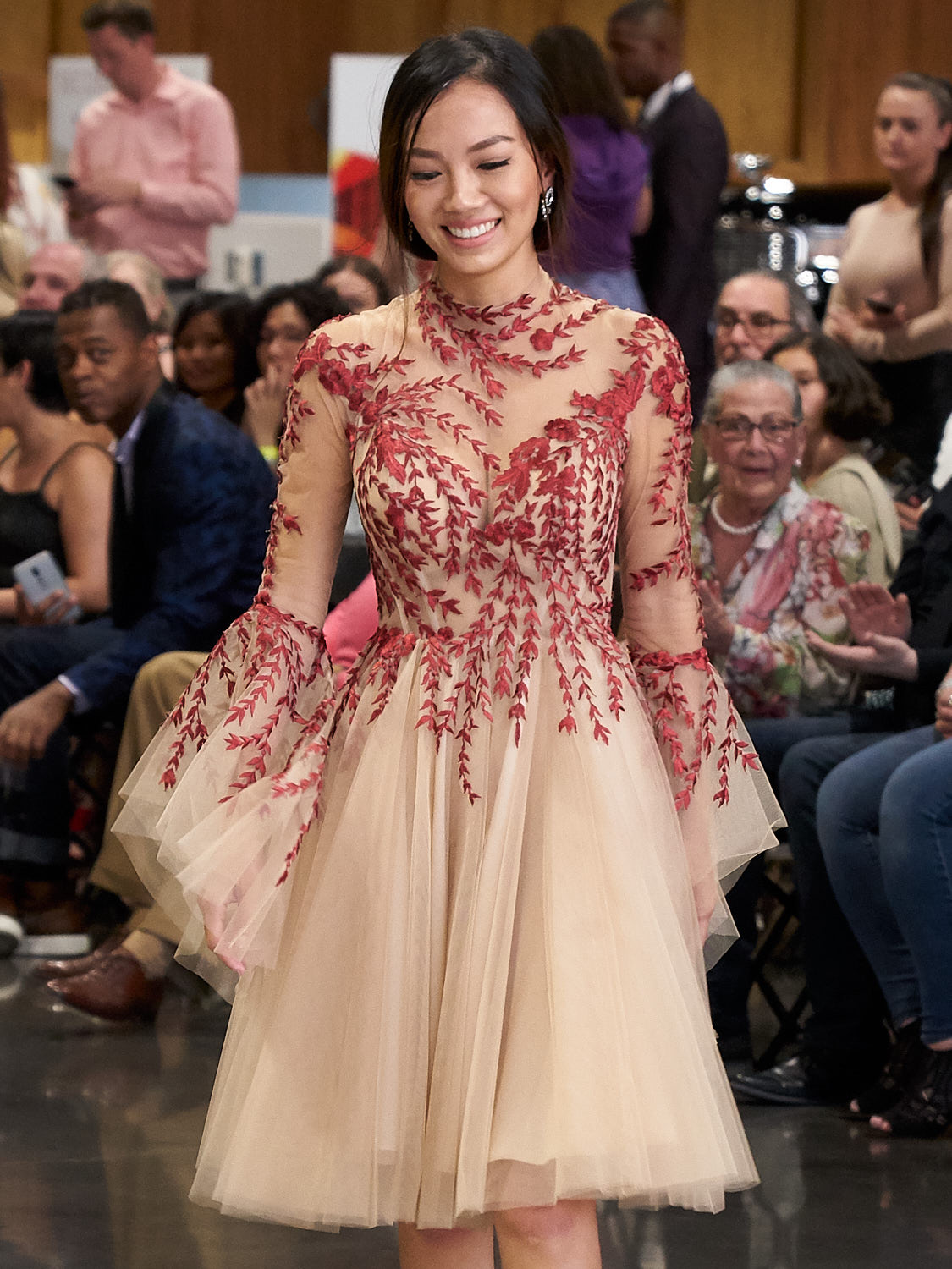 AMVISUALS-Couture-Cars-Fashion-Show-LeMay-Museum-Tacoma-Fashion-24.jpg