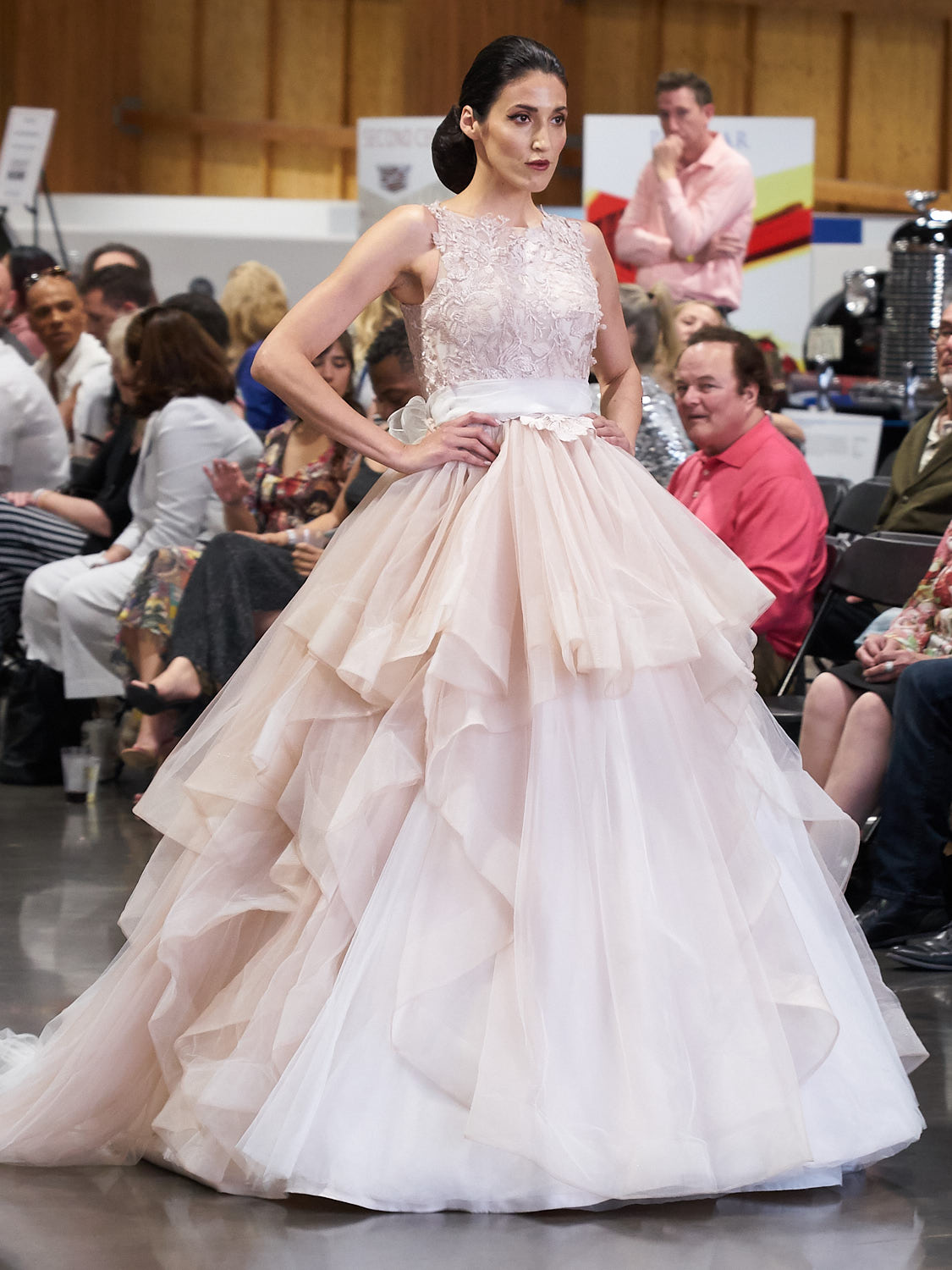 AMVISUALS-Couture-Cars-Fashion-Show-LeMay-Museum-Tacoma-Fashion-27.jpg