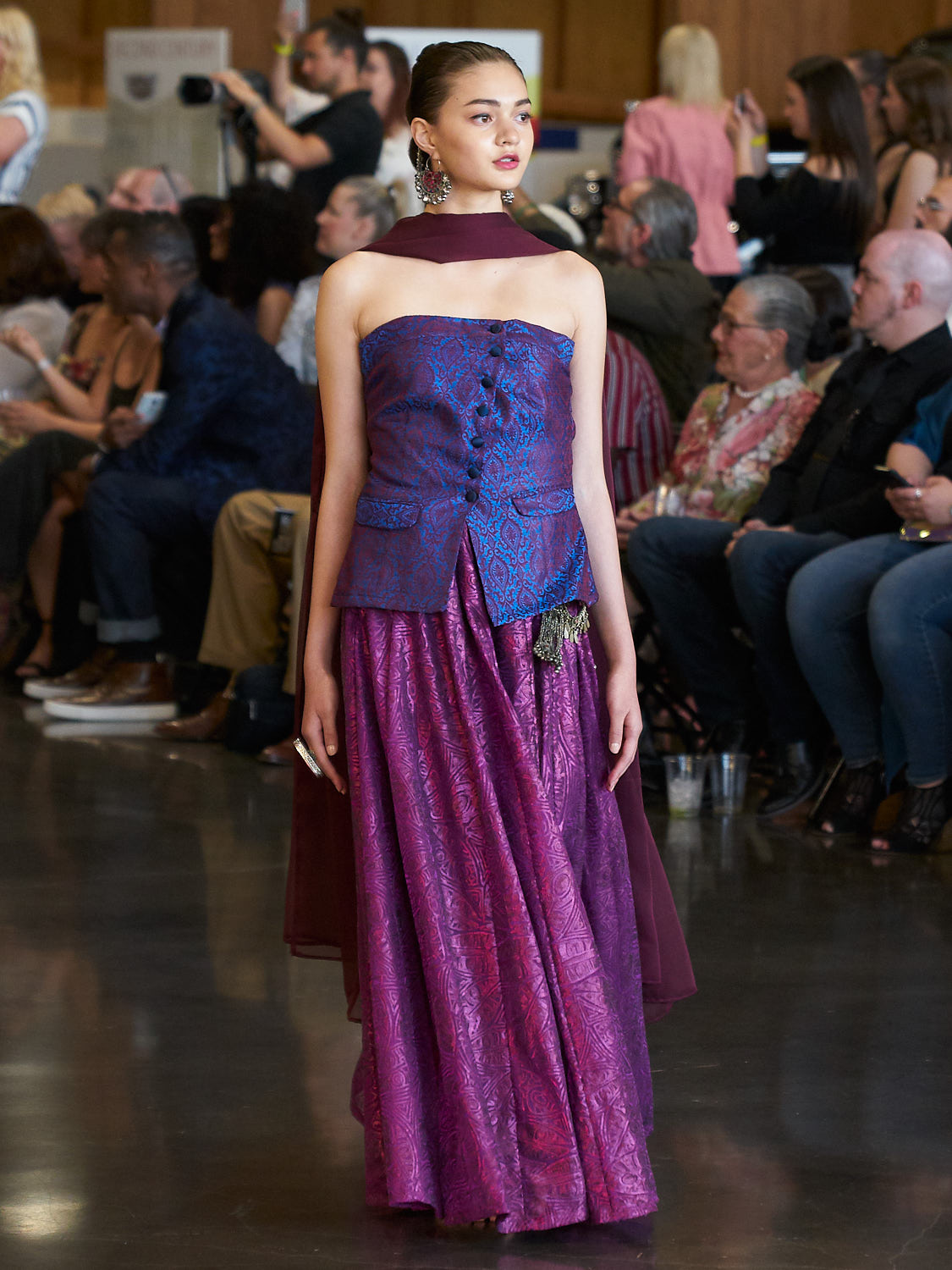 AMVISUALS-Couture-Cars-Fashion-Show-LeMay-Museum-Tacoma-Fashion-7.jpg
