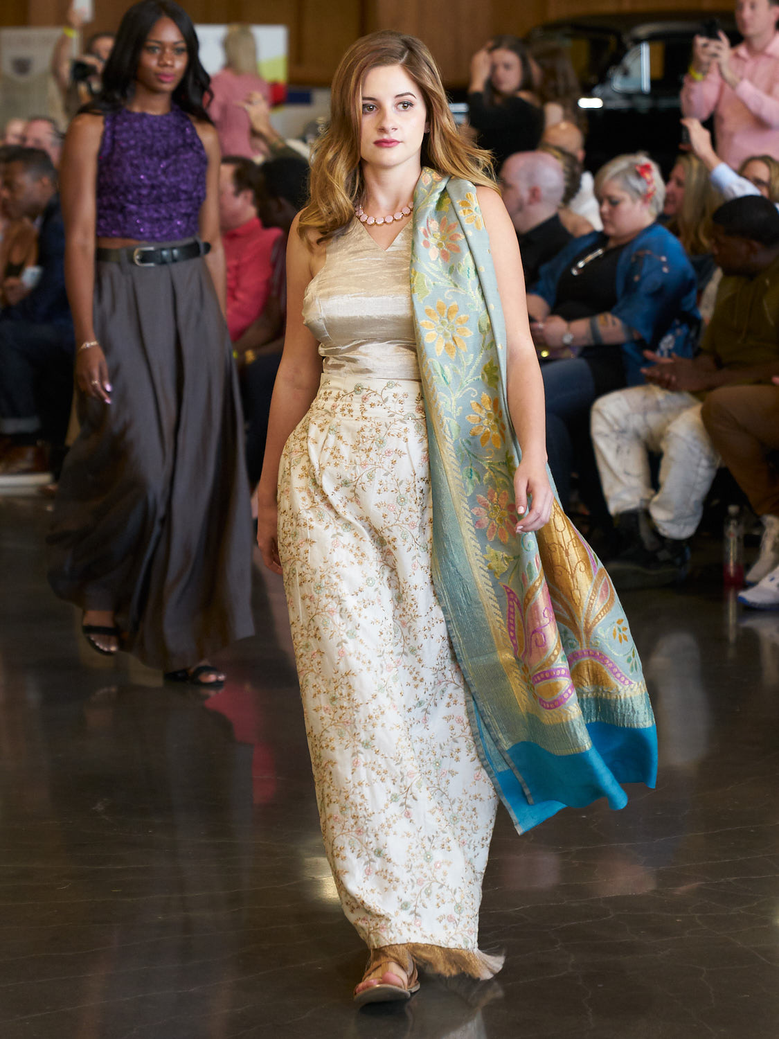 AMVISUALS-Couture-Cars-Fashion-Show-LeMay-Museum-Tacoma-Fashion-8.jpg