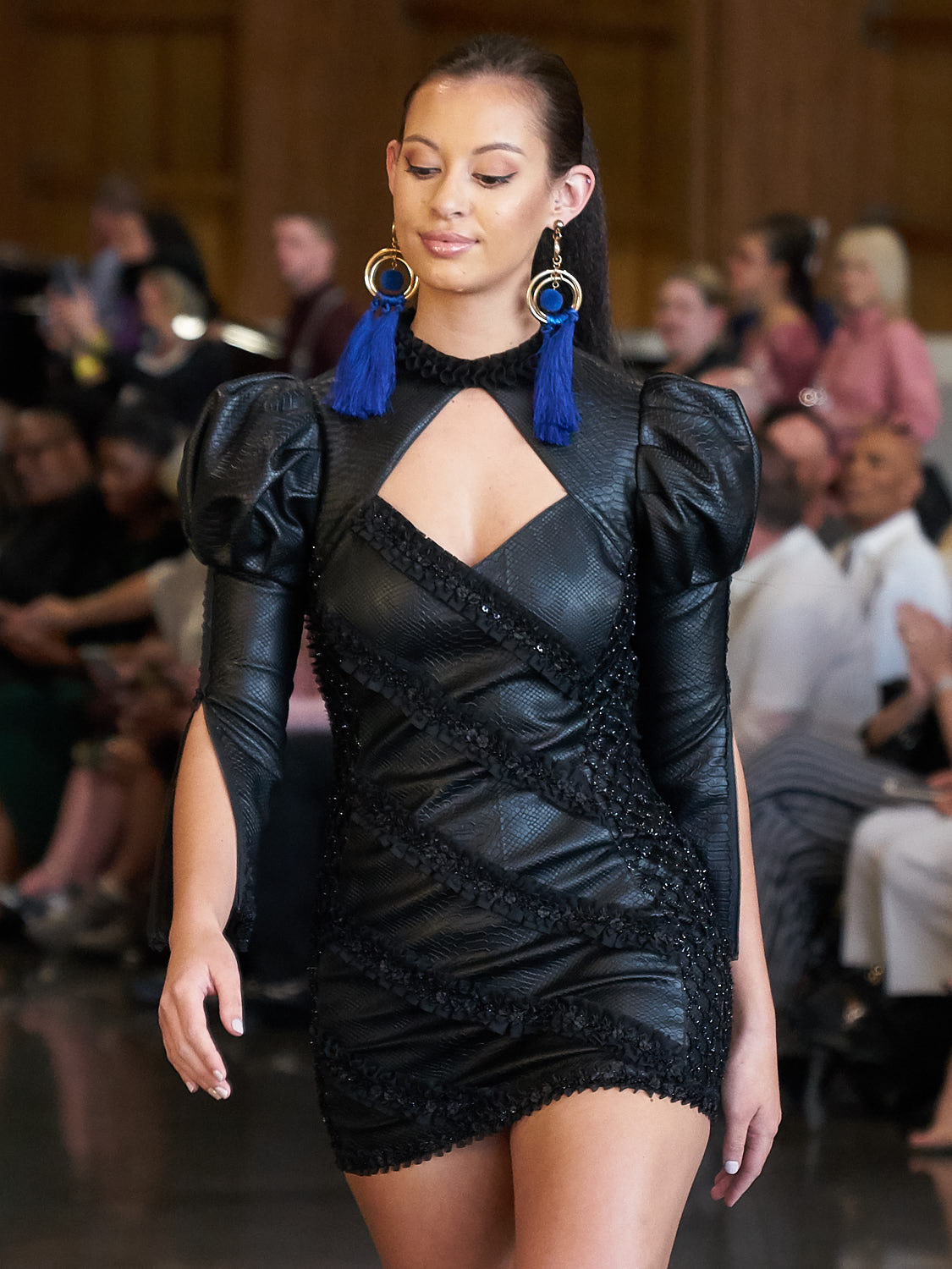 AMVISUALS-Couture-Cars-Fashion-Show-LeMay-Museum-Tacoma-Fashion-13.jpg