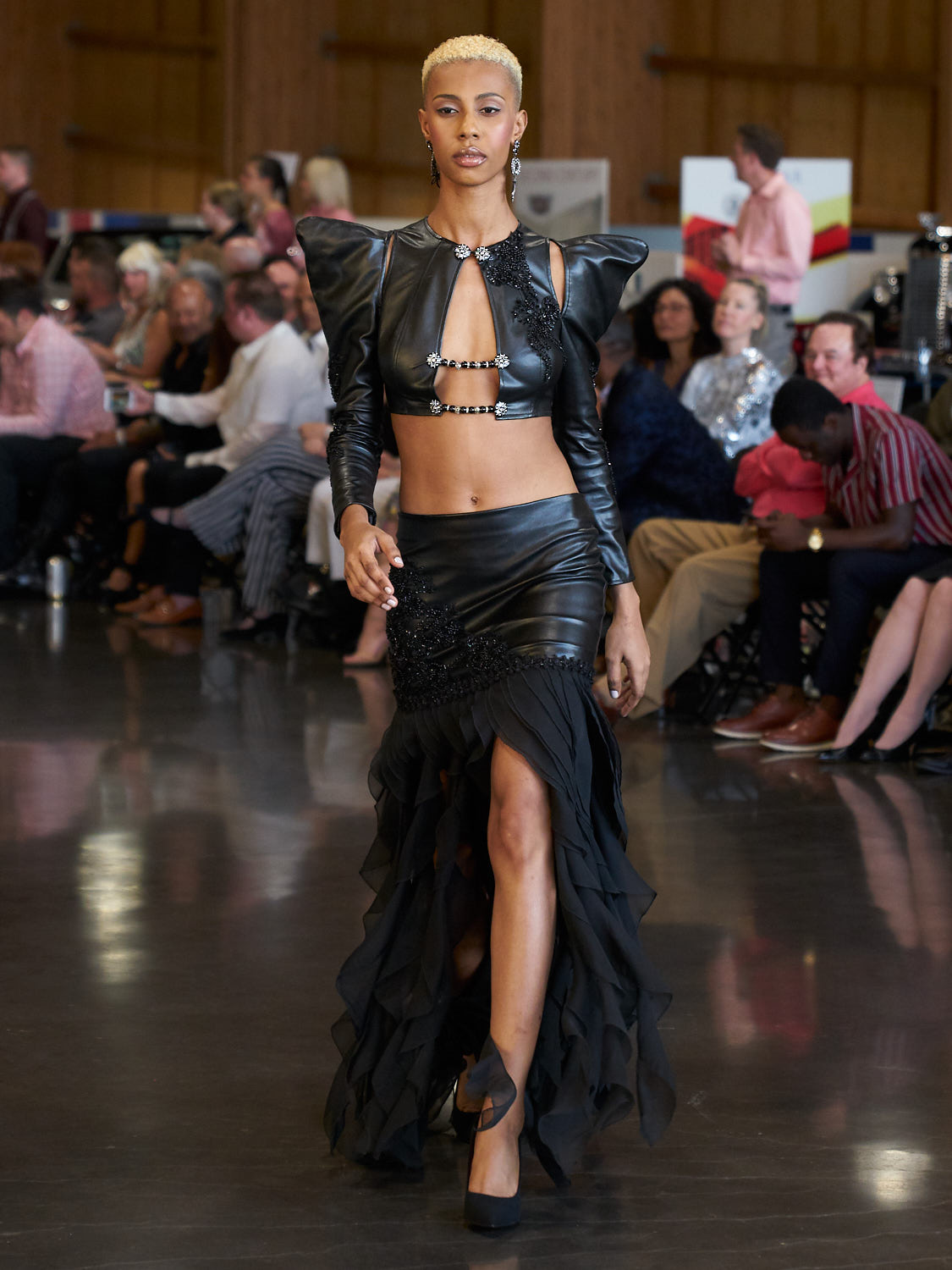 AMVISUALS-Couture-Cars-Fashion-Show-LeMay-Museum-Tacoma-Fashion-14.jpg