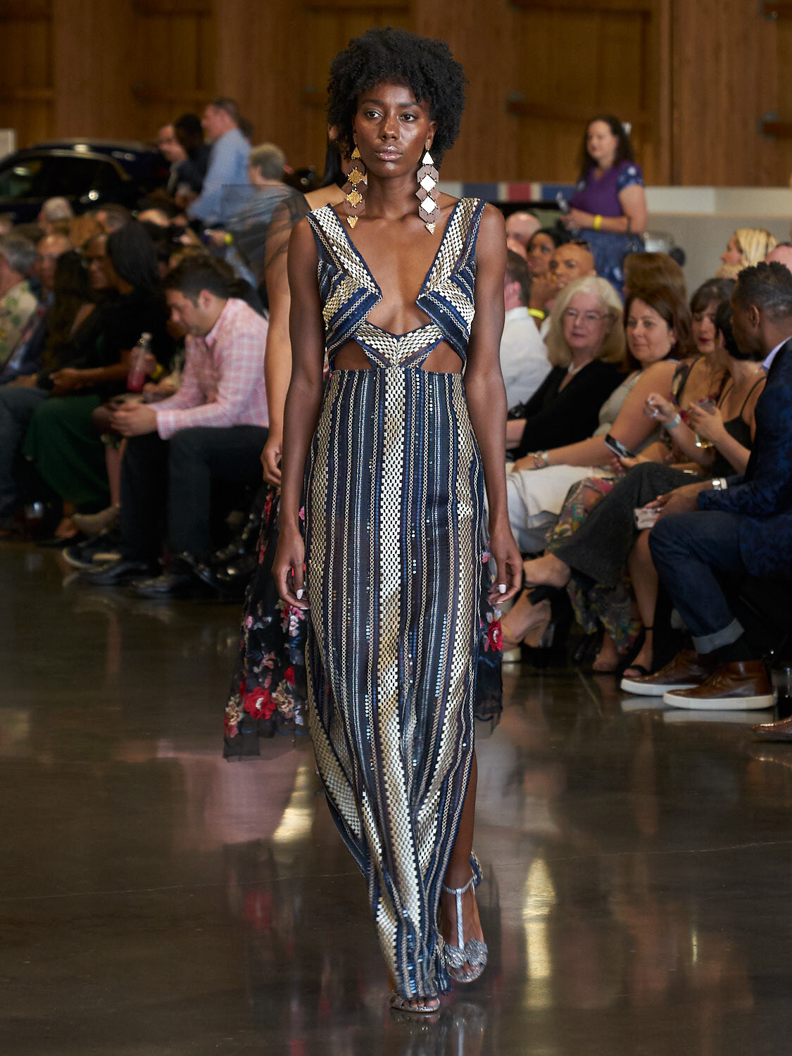 AMVISUALS-Couture-Cars-Fashion-Show-LeMay-Museum-Tacoma-Fashion-3.jpg