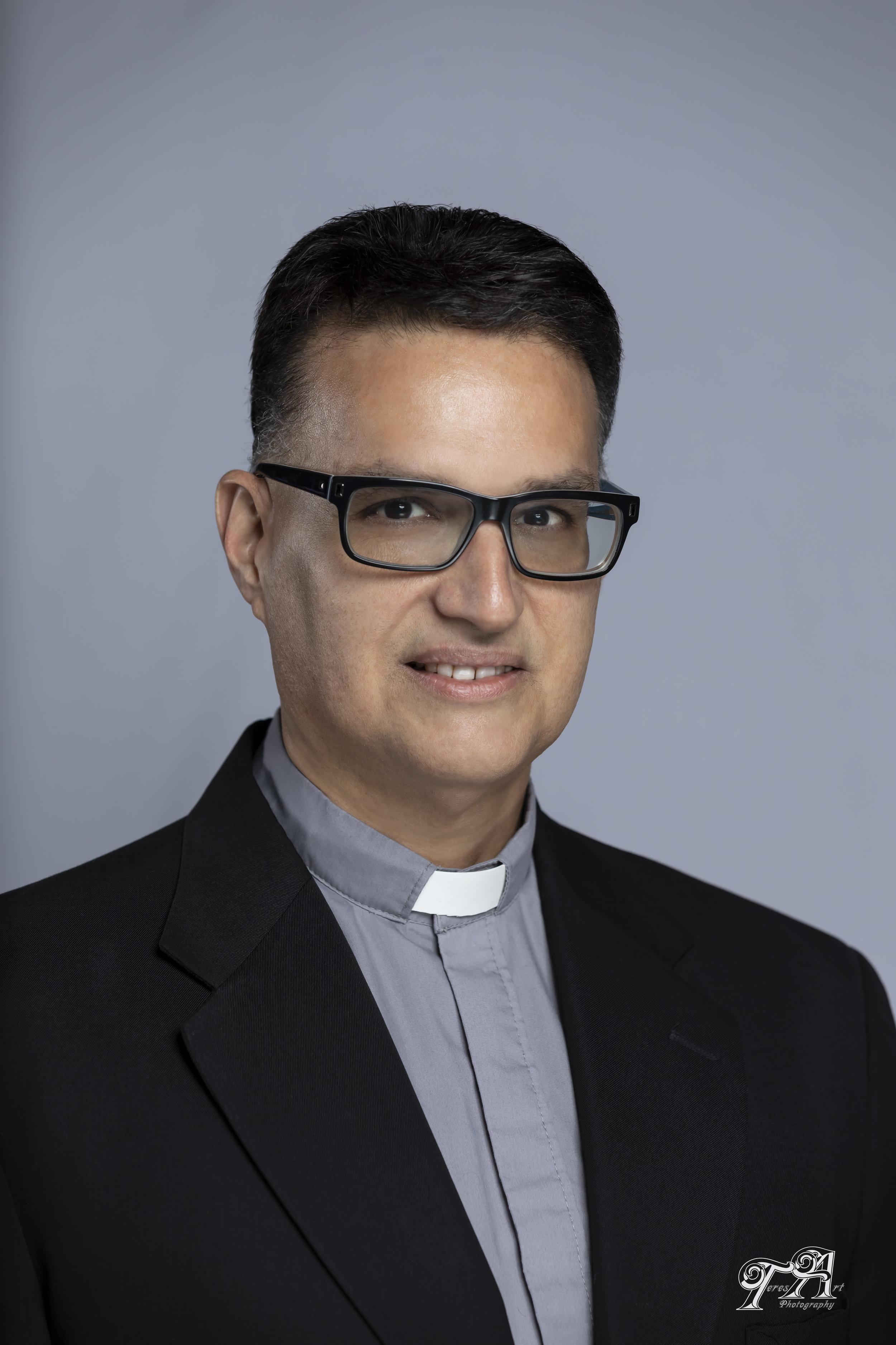 Deacon Samuel Soto - Diácono a la comunidad latinaCorreo Electrónico: SSoto@StBridgetUP.org