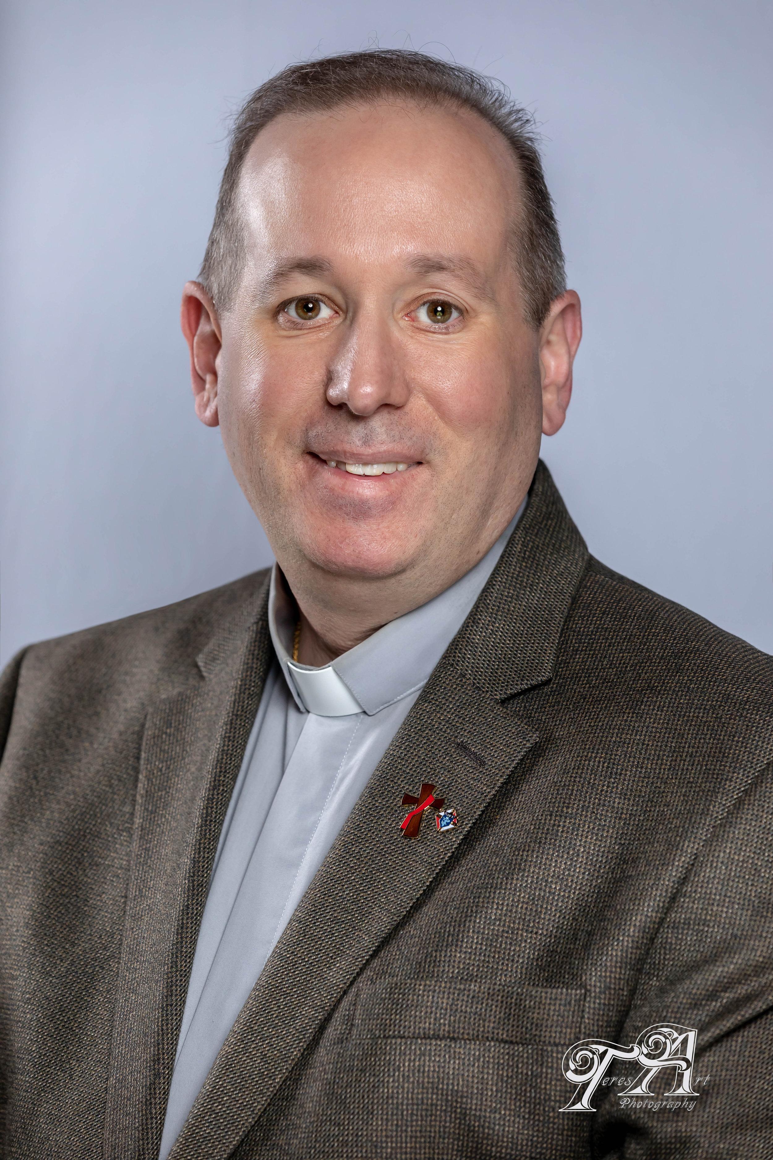 Deacon Kevin Heil - Coordinador de Educación ReligiosaCorreo Electrónico: KHeil@StBridgetUP.org