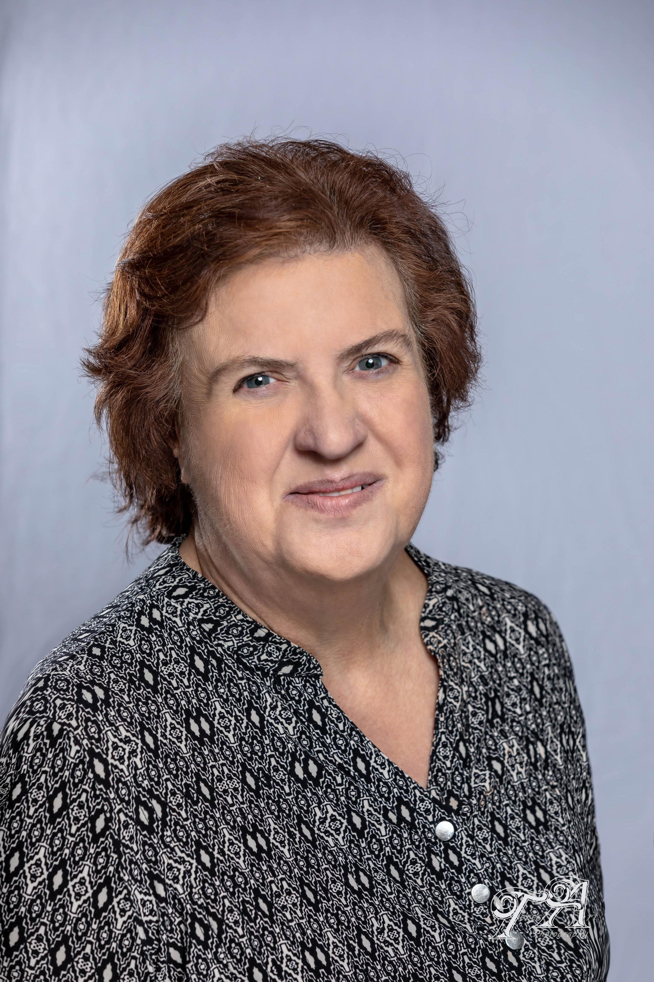Renée Mirenda - Administradora de NegociosCorreo Electrónico: RMirenda@StBridgetUP.org