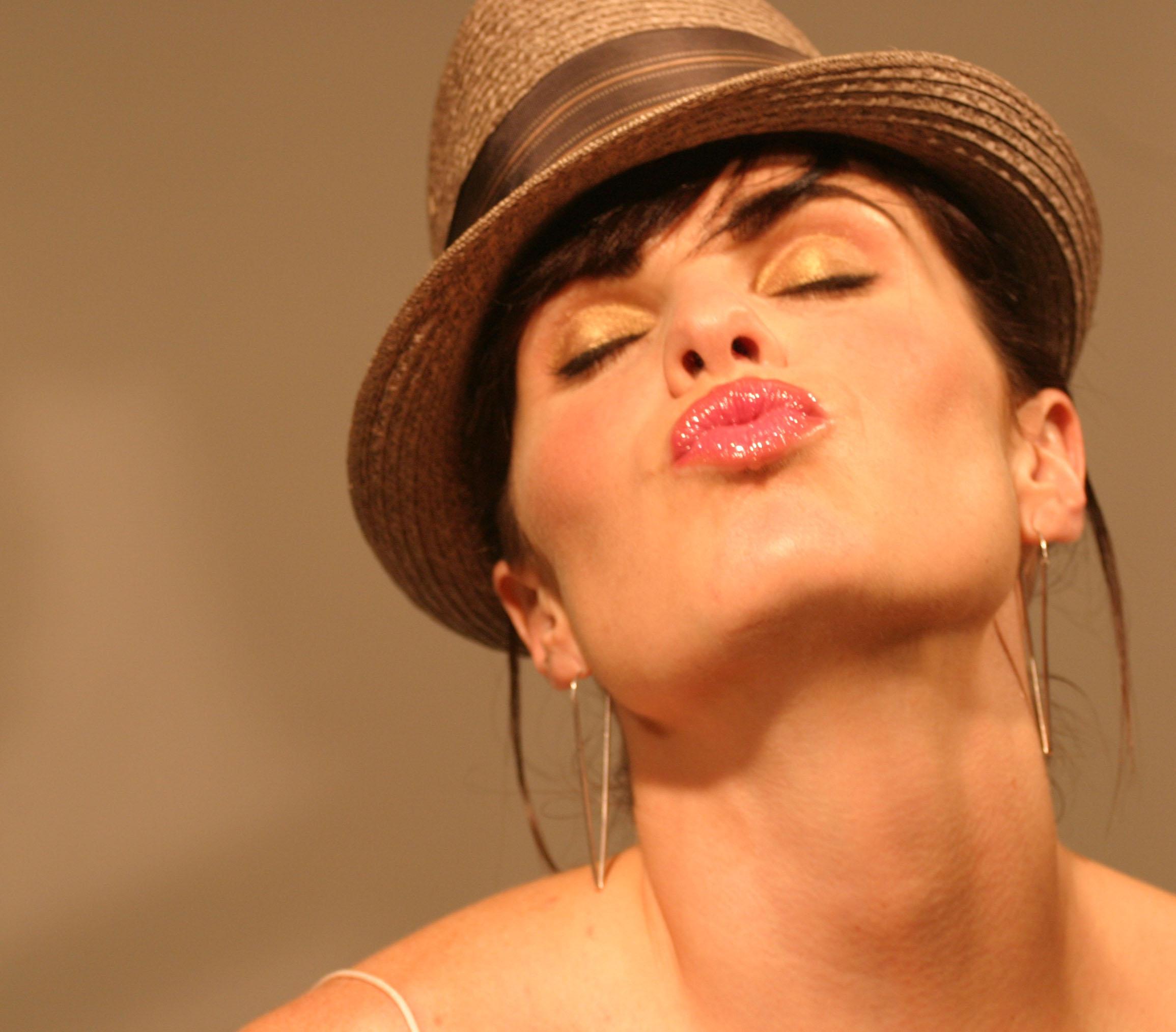 quincy+kiss.jpg