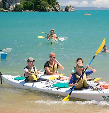 happy-kayakers-slider-crop-u118910.jpg