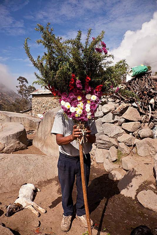 Flores para la Virgen de la Candelaria, Tupe, 2013