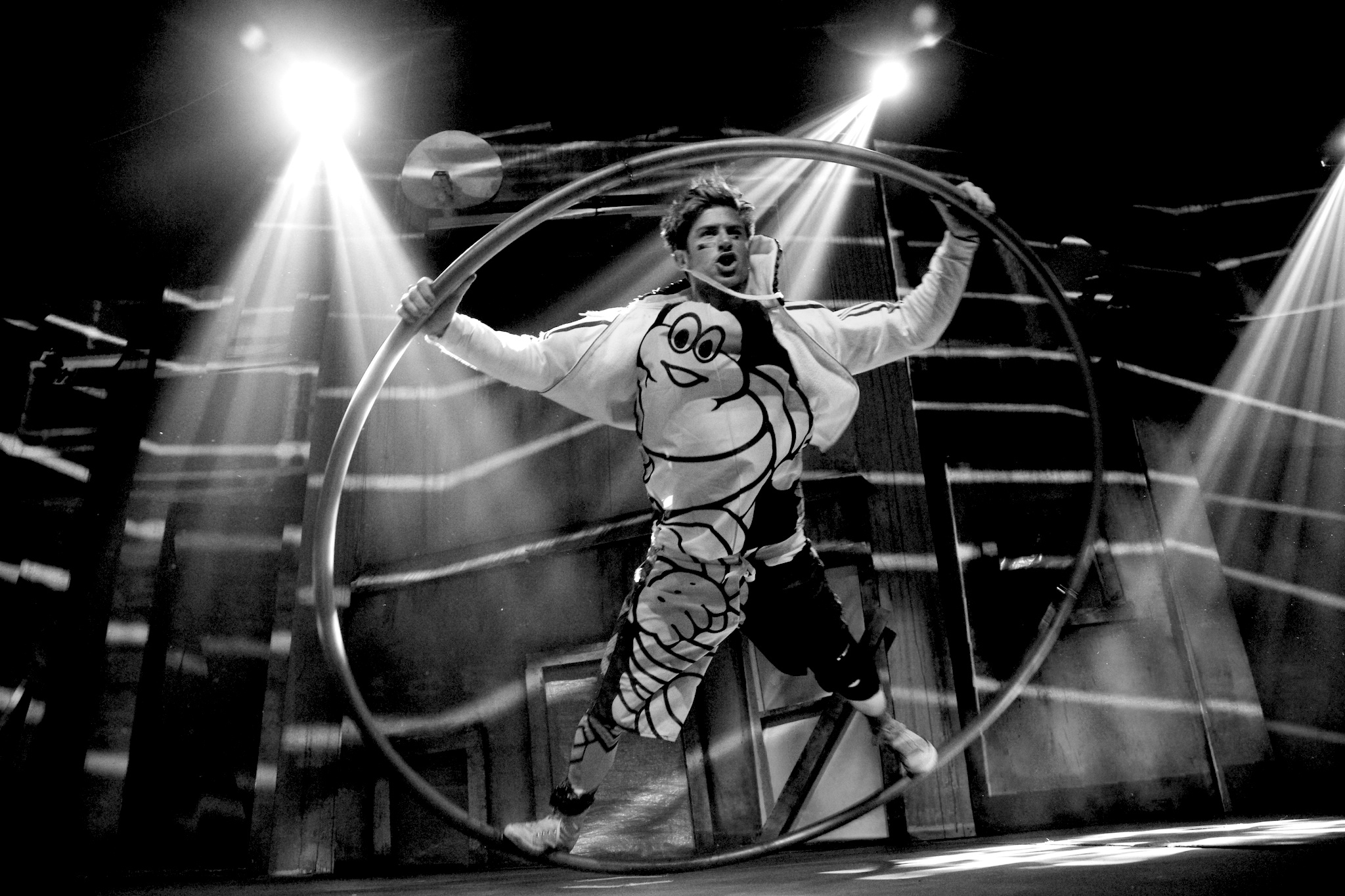Jo Moss , Actor, Circus Artist, Director, Teacher  Trained at ESAC and RADA Jo now based in London and runs the theatre company  New Public  making circus and theatre