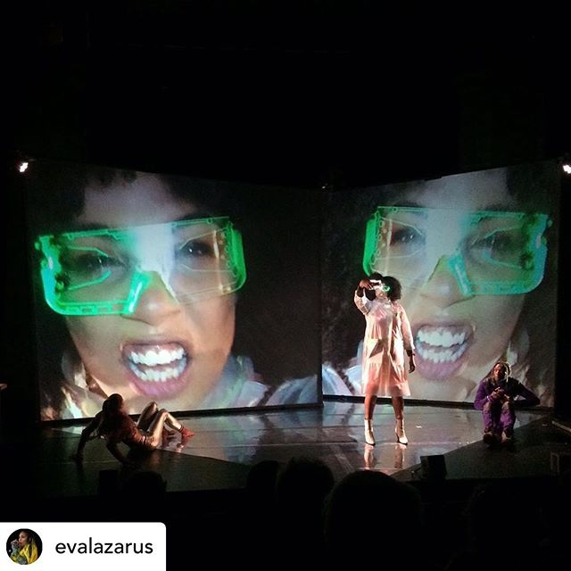 Awesome week performing KID_X @edfringe @assembly_roxy  Posted @withrepost • @evalazarus  COMPLETED IT!! Big thank you's to the whole KID_X team! @mhz_________  @saeheesimmons_design @amggu @androidxflex @assemblyroxy @bassline_circus  Big shoutouts to all who came to see the show! Can't wait to tour this next year, see you on the road! #kid_x #feralartsproject #edinburghfringe