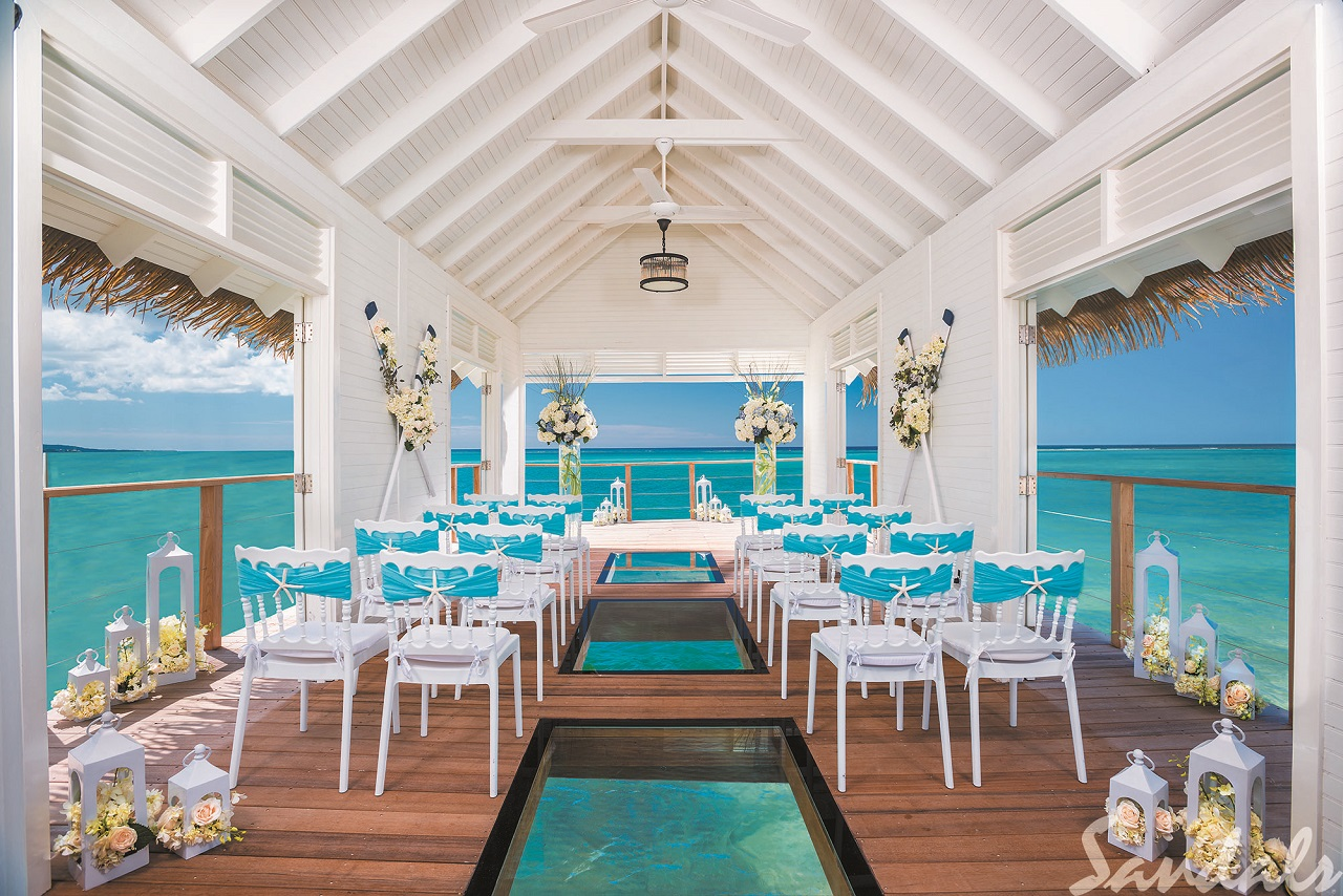 SSC_AISLE_SOCIETY_OVER_THE_WATER_CHAPEL_WEDDING_CEREMONY_SET_UP_164 TRADE.jpg