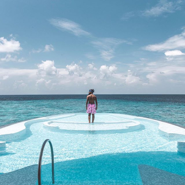 Begin your journey to tranquility in the Iridium Spa! The unique Iridium Spa is the largest overwater spa in the Maldives at 20,000 square foot, making it the perfect venue to celebrate the brilliance of the global spa industry. 💦😍🙏🏽💙 TAG someone that would love to experience this SERENITY?! . . . . . . #dronestagram #luxuryvilla #luxuryworldtraveler #luxwtprime #luxwtconcierge #luxwt #island #cntraveler #staydifferent #luxuryresort #luxurytravel #StRegisMaldives #maldivesresorts #LiveEquisite #omaldives #maldivesislands #maldivesinsider #liveluxurytravel #TLpicks #maldives #StRegisHotel #StRegis #marriotthotel #BestVacations #dronephotography #drone #marriott