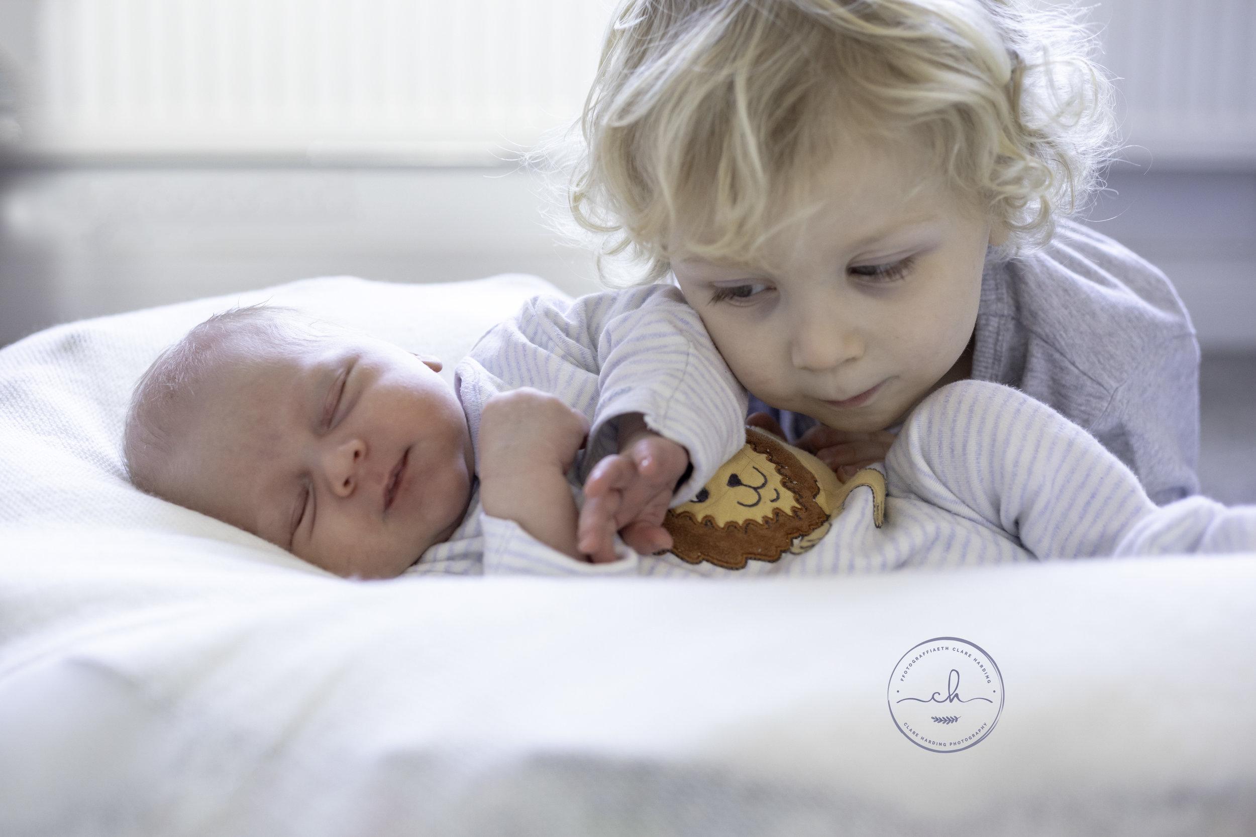 newborn baby natural photographer cardiff vale of glamorgan 2.jpg