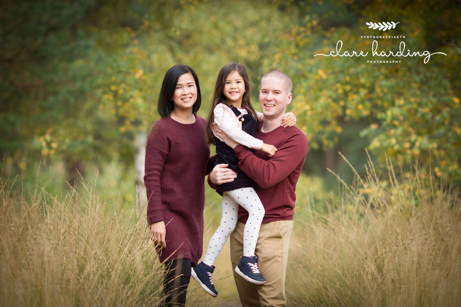 Cardiff Family Photographer family in autumn colour