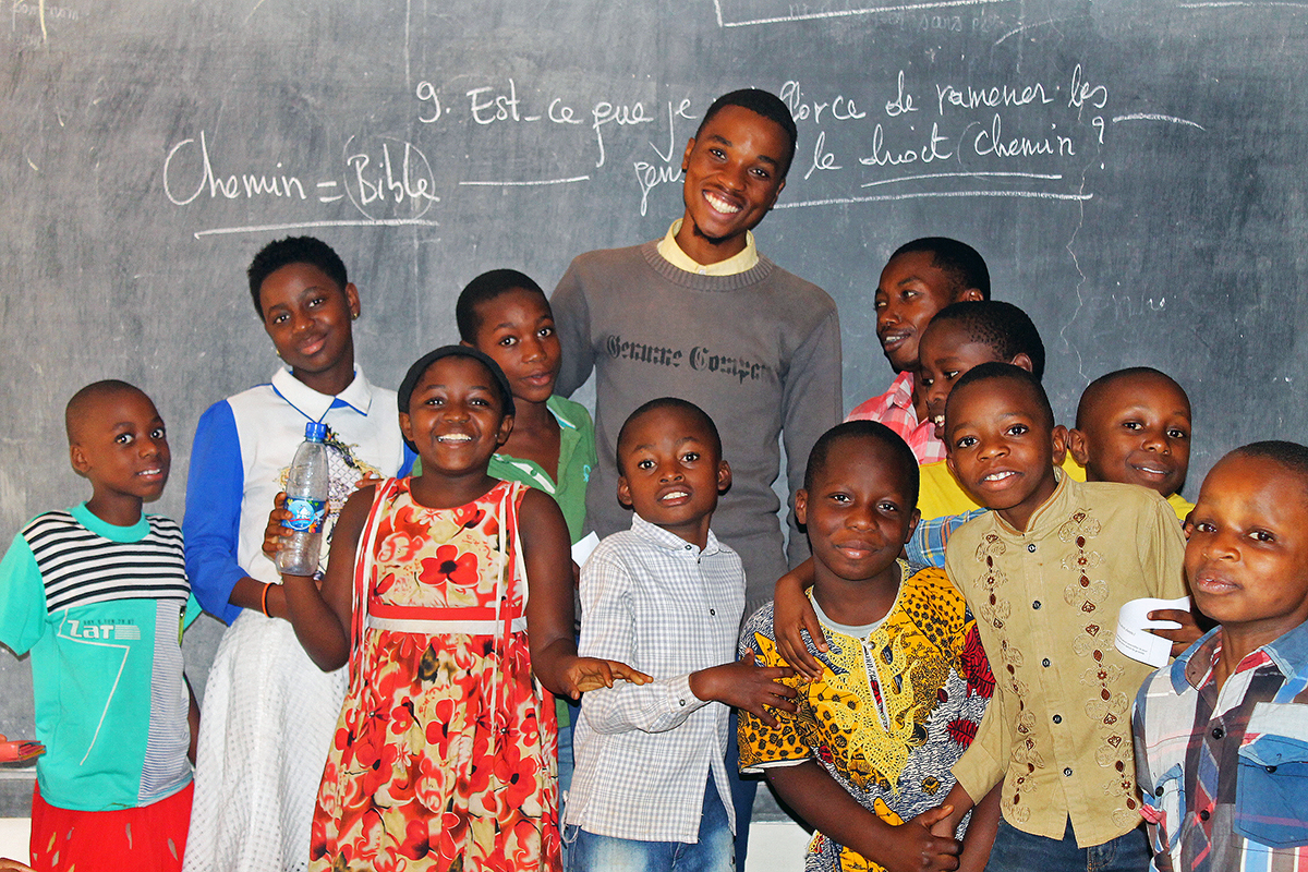 Future Hope Africa students and teachers