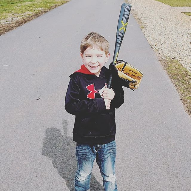 We officially have a Tee-Ball player❤️❤️