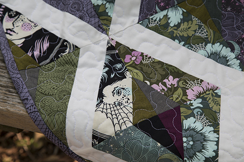 Nightshade Quilt by Fresh Lemons Quilts : Faith