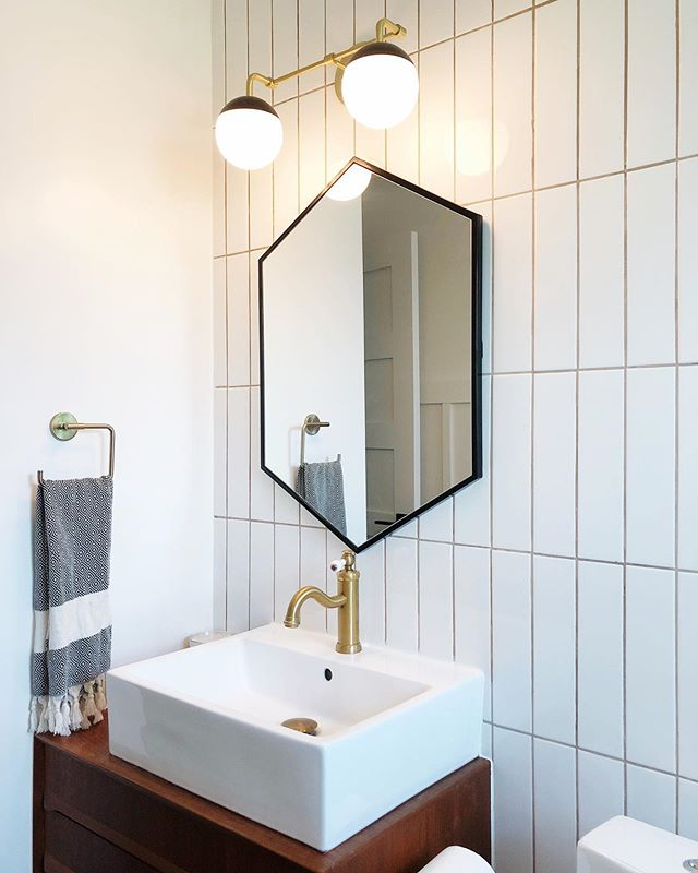 ✨ Nothing beats waking up on the weekend and not having to immediately start working on the bathroom.  #TheWarwoodHouse . . . . .  #sodomino #apartmenttherapy #myhousebeautiful #dslooking #abmathome #thedulcetlife #austindesign #midcentury #housecrush #homedecor #instahome #diyhomedecor #finditstyleit #mybeautifulmess #abmathome #ehdweekendmakeover #lovewhereyoudwell #rminteriors #diy  #acolorstory #austinliving #abmhappylife  #thehappynow #livethelittlethings #nothingisordinary #renovation #homerenovation #austinhomes #austinhome