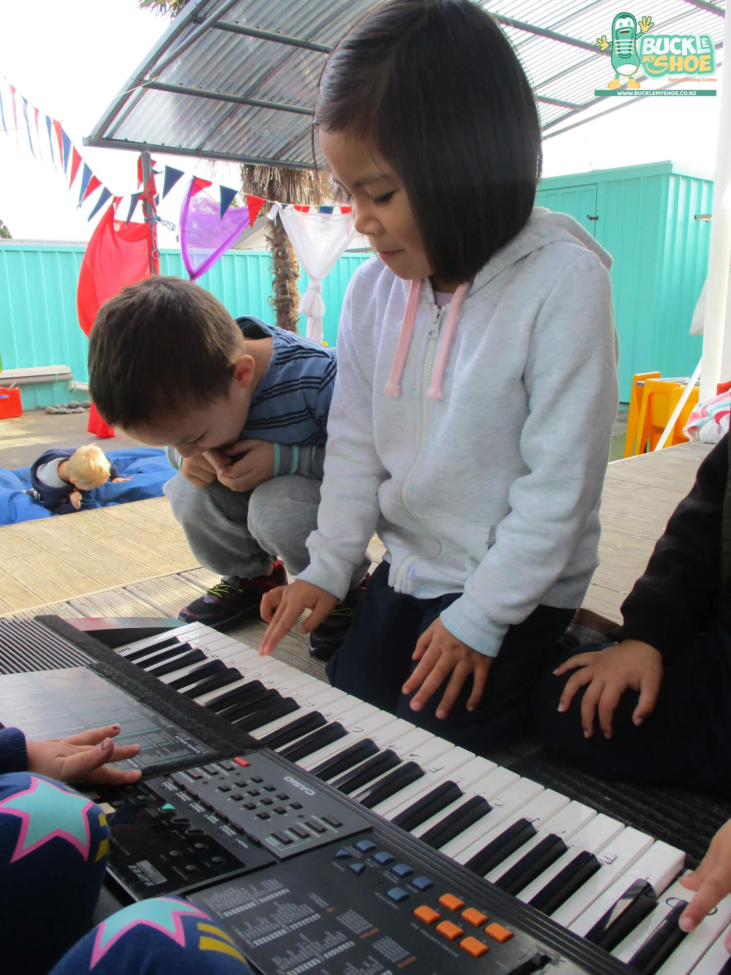 buckle-my-shoe-childcare-tauranga-music-3.jpg