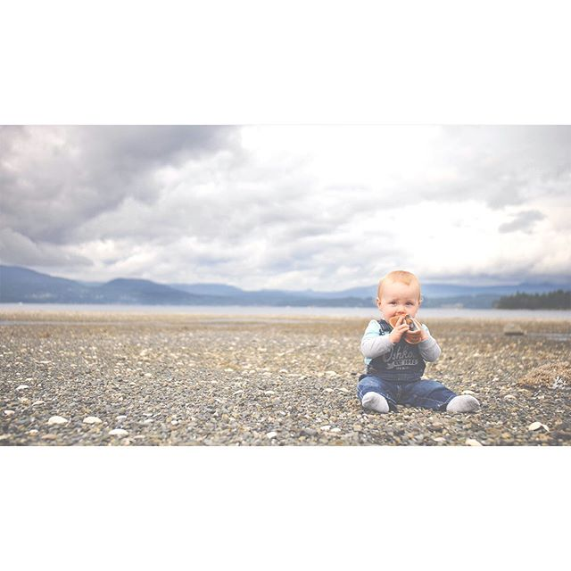 {swipe for video} When I left today I thought it was cold, but when we got to the beach it was def muggy and sweaters needed to come off! #momproblems Also, my son preferred playing with his shoes rather than wearing them haha. Where did summer go? #victoriabc #family #lifewithlittles #pnwonderland