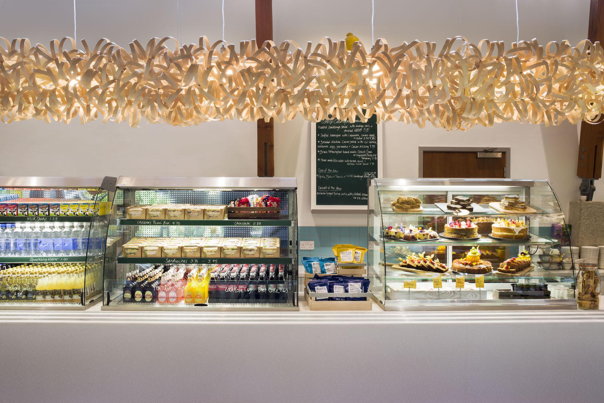 eleanor-bell-restaurant-lighting-trebah-cafe-tom-raffield-pendant.jpg