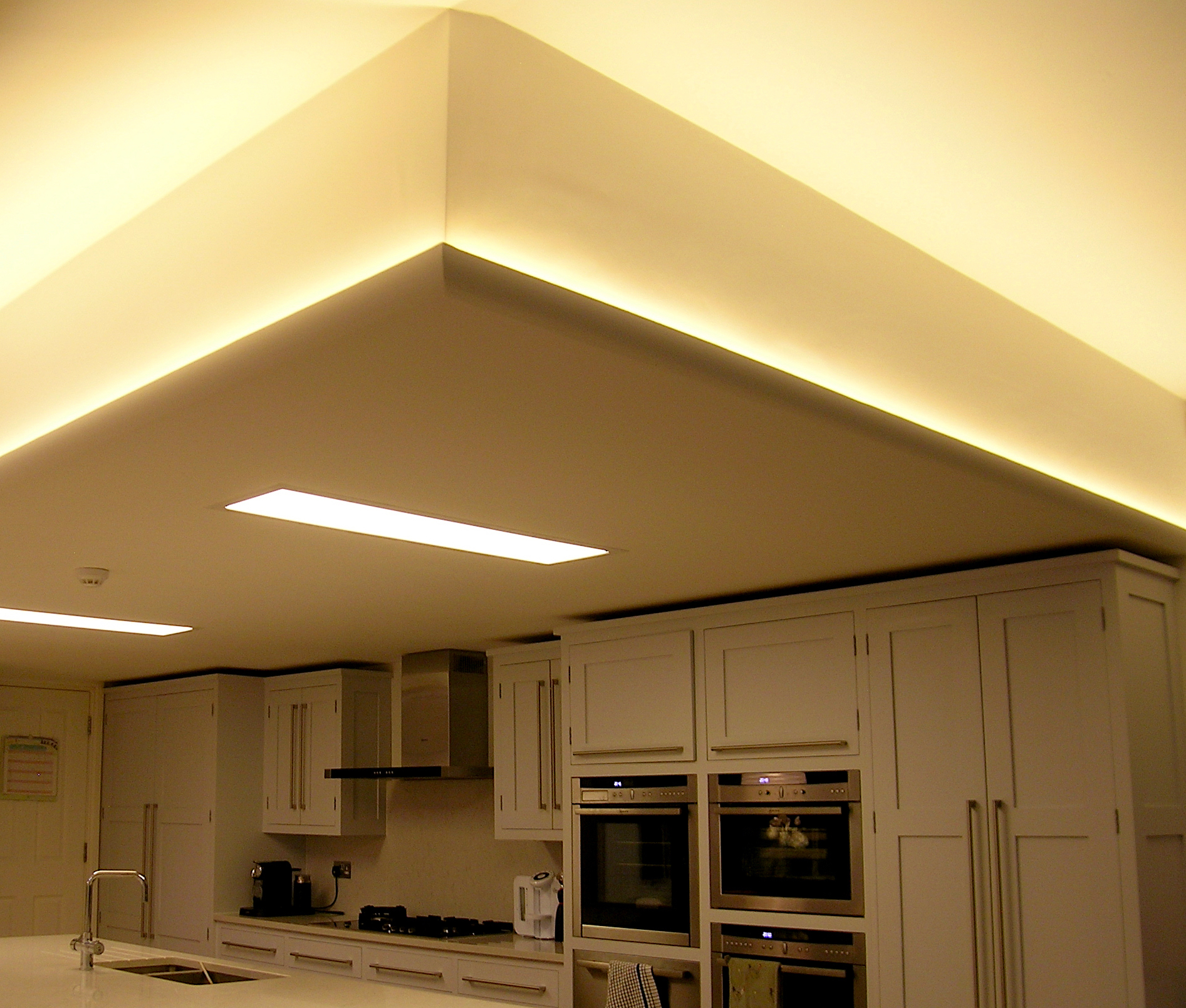 eleanor-bell-residential-lighting-london-kitchen.jpg