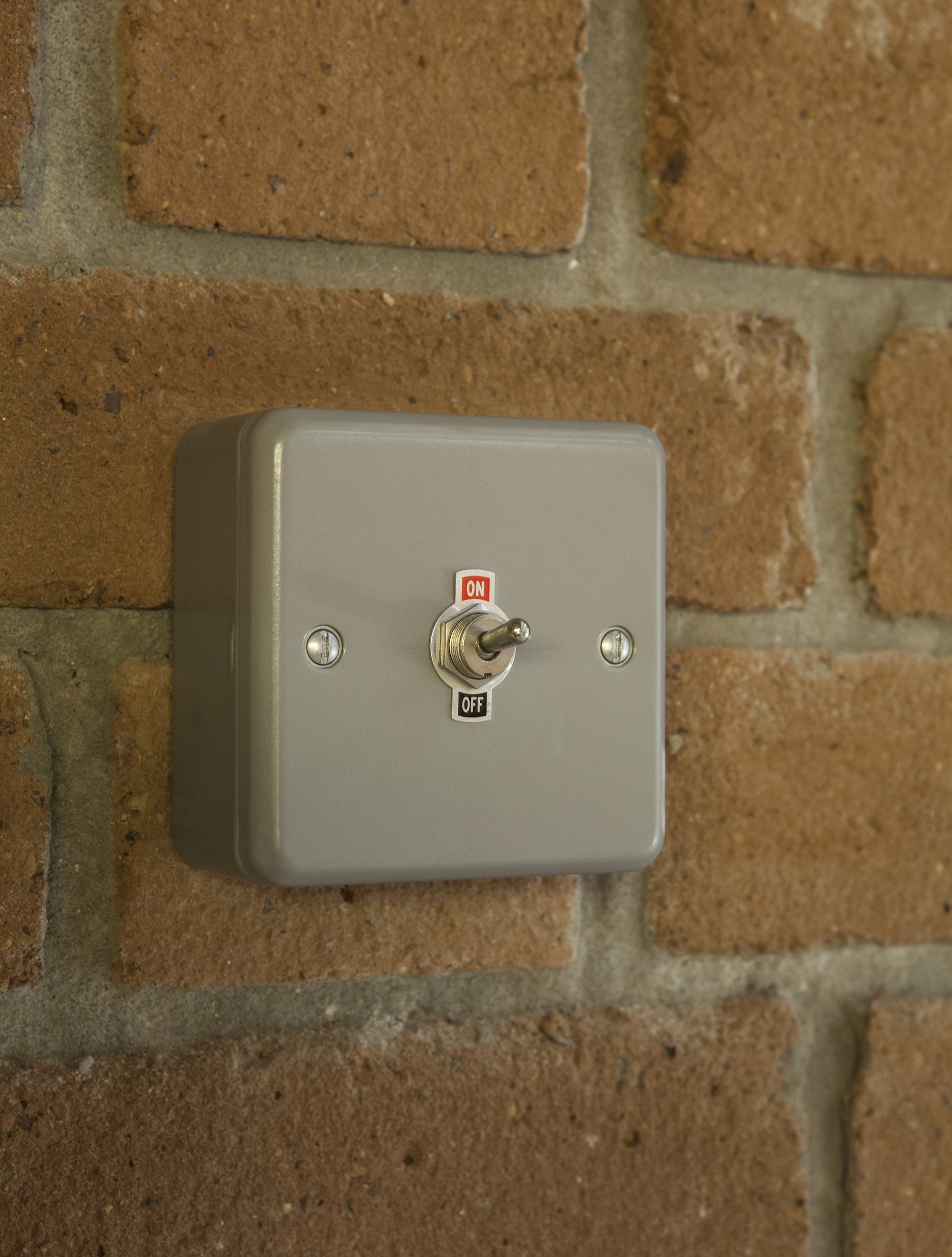 eleanor-bell-commercial-lighting-design-jubilee-warehouse-toggle-switch.jp