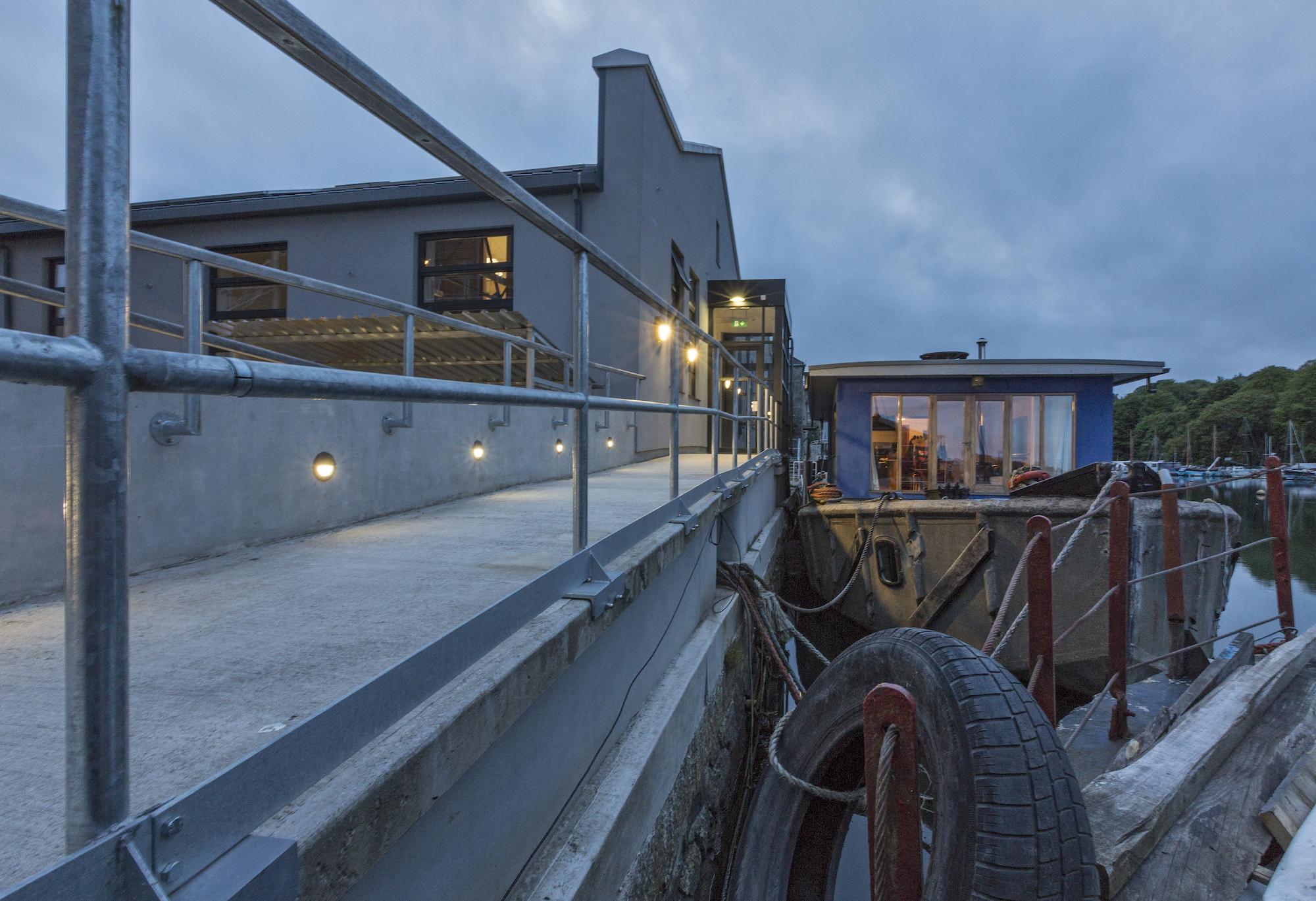 eleanor-bell-commercial-lighting-design-jubilee-warehouse-exterior-led-lights.jp