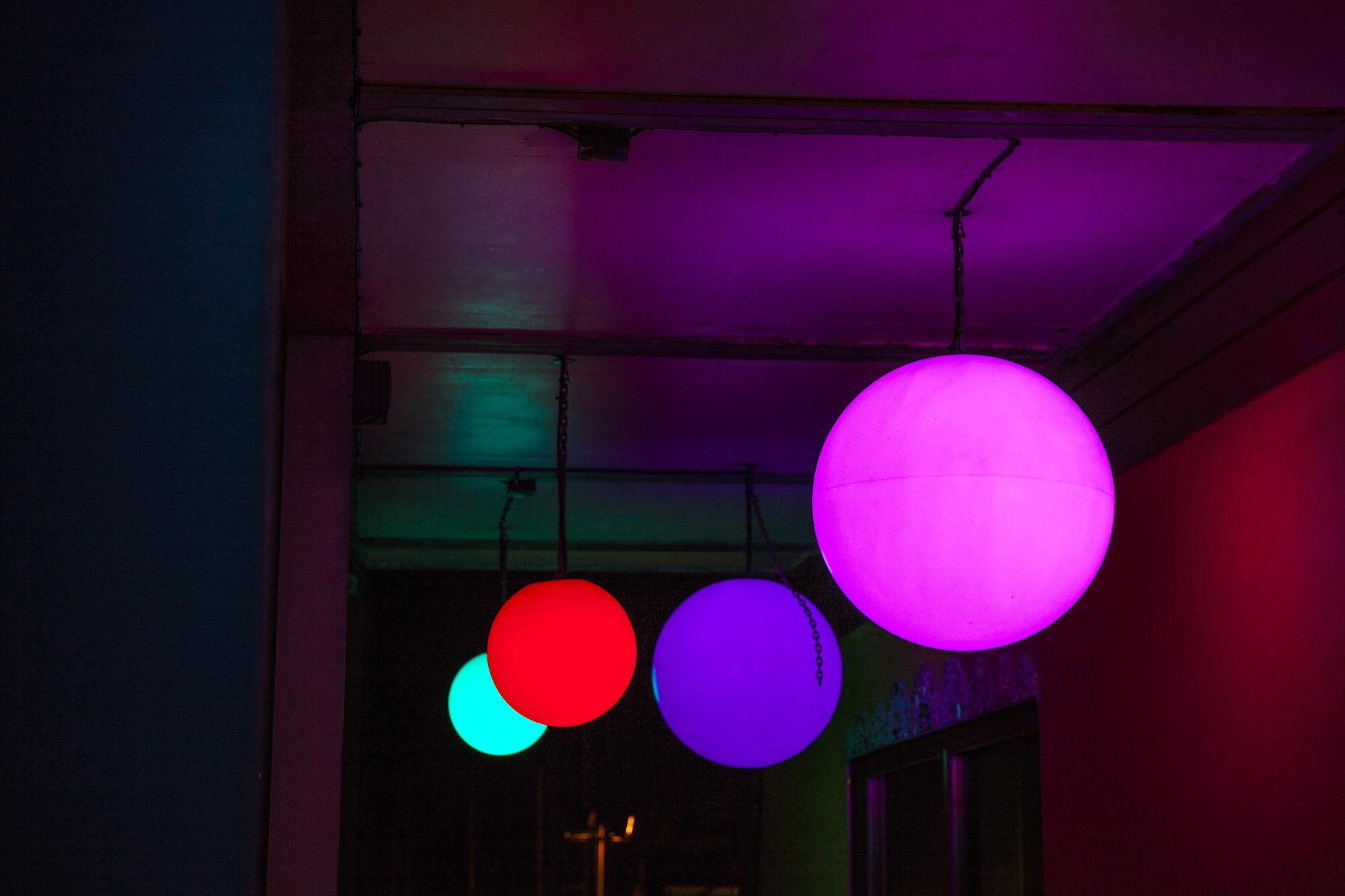 eleanor-bell-river-restaurant-lighting-rgb-pendants.jpg
