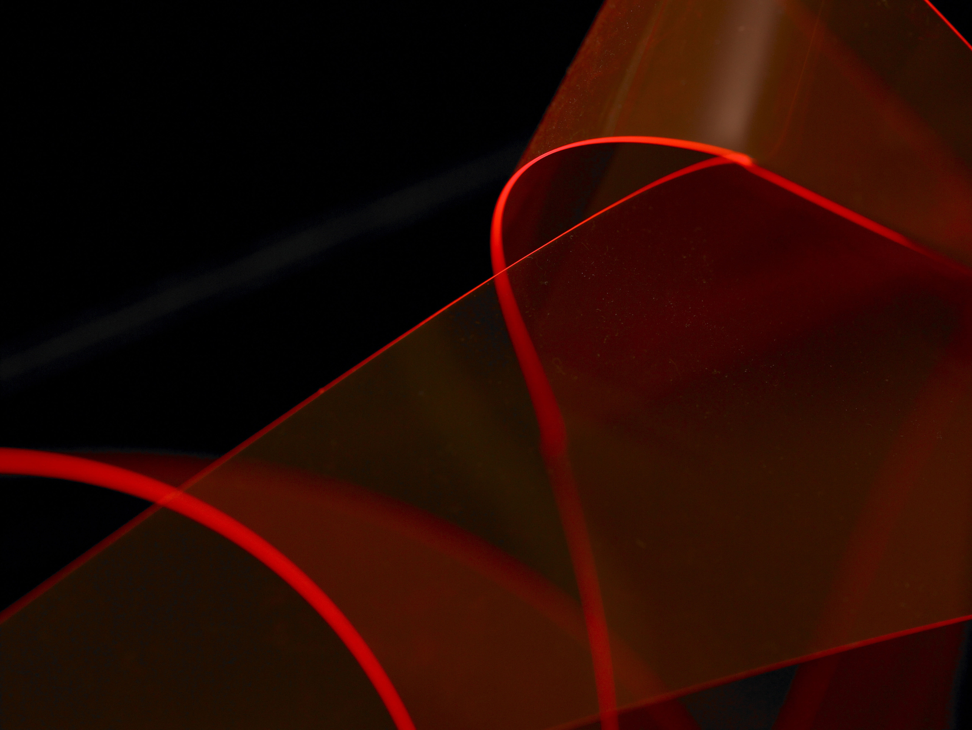 eleanor-bell-light-artist-balancing-contrast-equilibrium.jpg