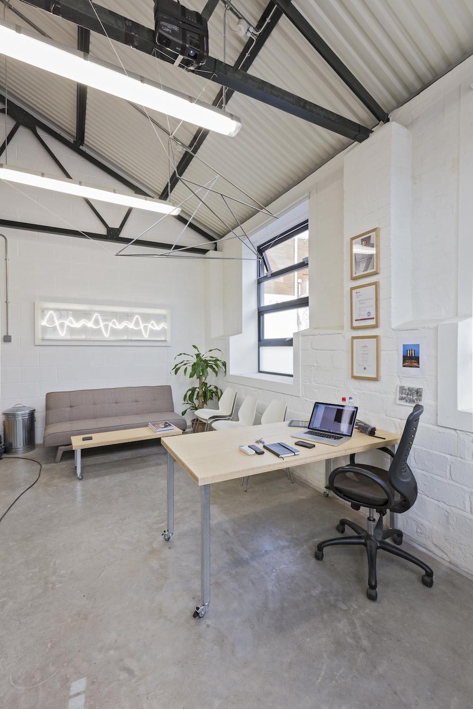 eleanor-bell-designer-maker-bespoke-office-lighting-light-wave.jpg