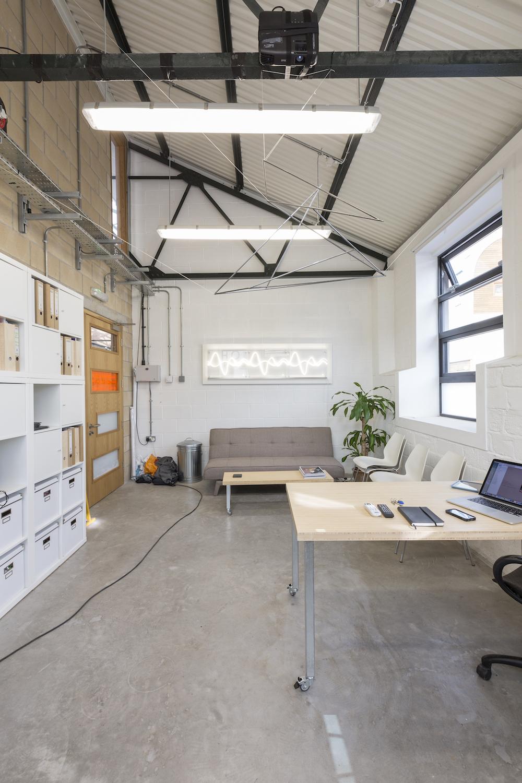 eleanor-bell-bespoke-office-lighting-white-light-wave.jpg