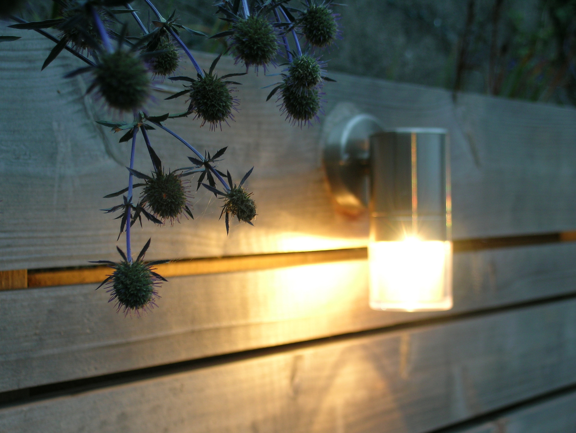 eleanor-bell-garden-lighting-led-wall-light.jpg