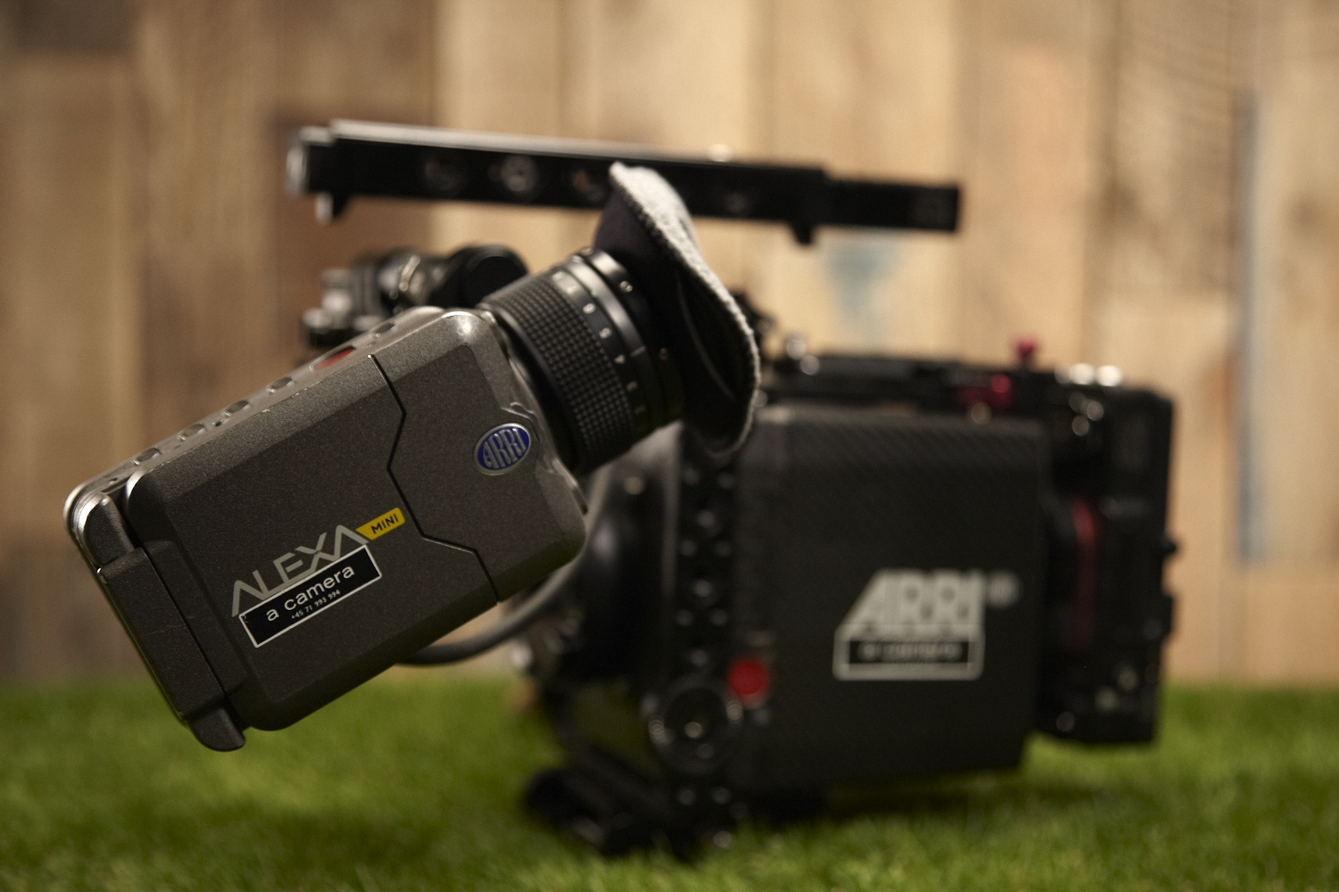 Arri Alexa Mini    Resolution:  UHD 3.8K - 3.2K - 2.8K ana - 2K - HD   Codecs:  RAW - Prores4444XQ - Prores4444 - Proress422   Framerate:  Up to 200 Fps depending on resolution and codec selection.