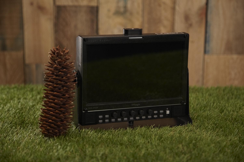 "TV-Logic SRM-095W    9"" monitor"