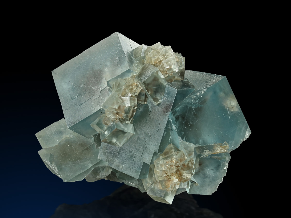 1221_Fluorite_PoggioBalate_1_1200x900.jpg