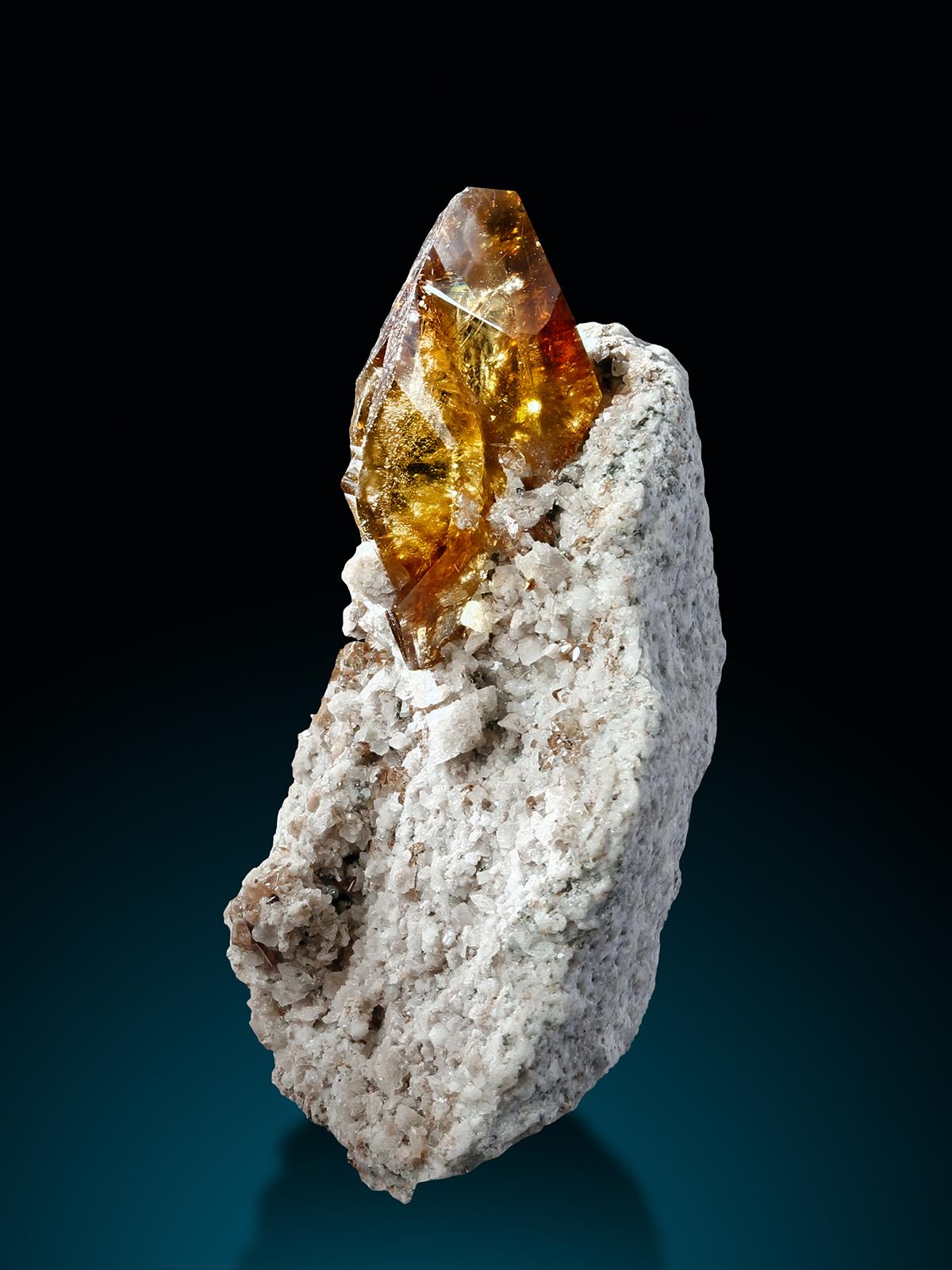 TitaniteOM Kristallwand b Kopie.jpg