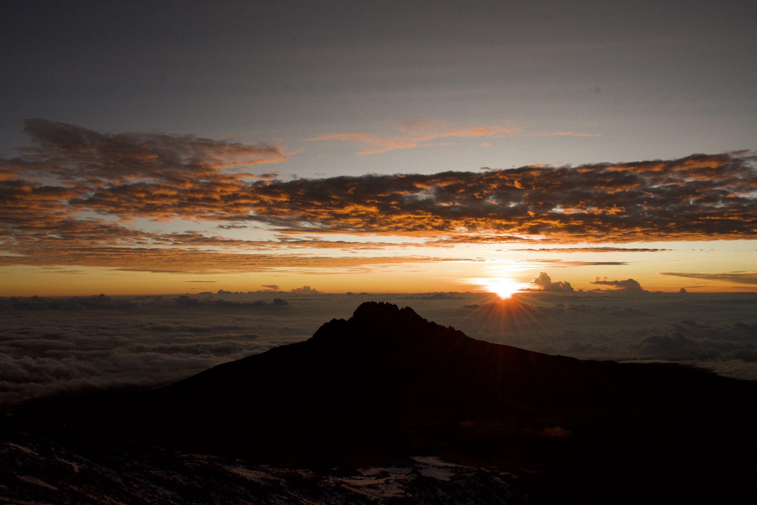 Mawenzi sunrise 2.jpg
