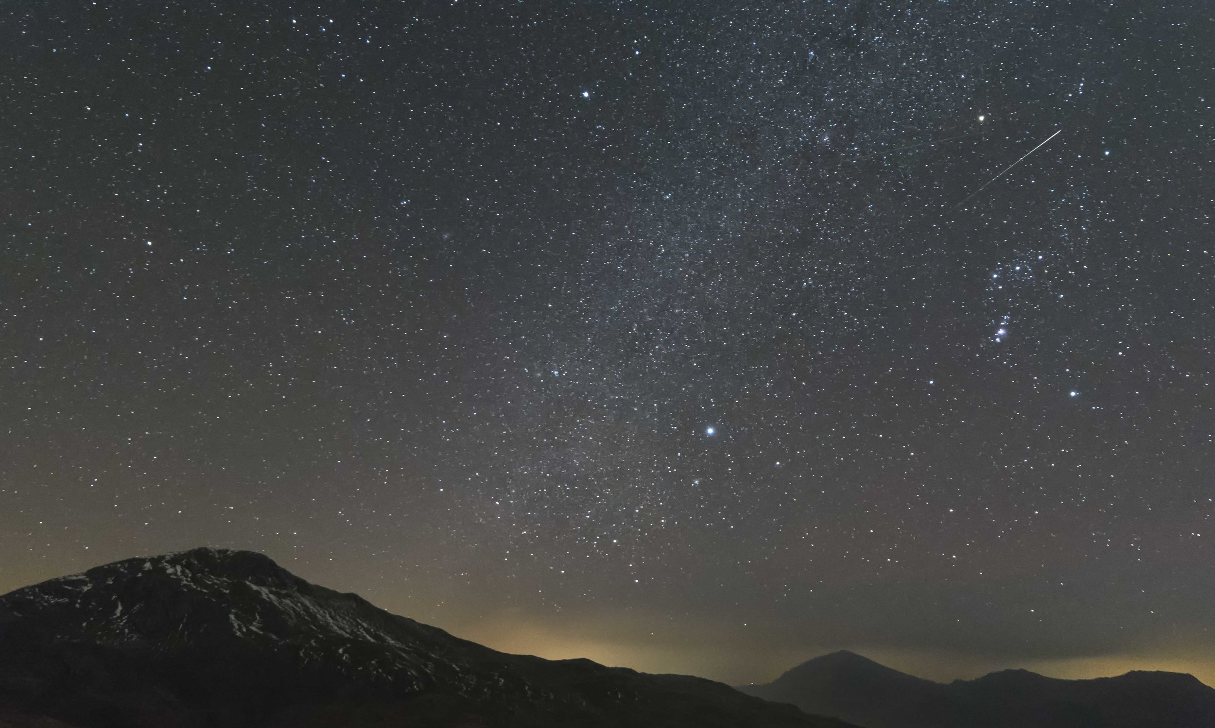 Lucky to capture this meteor over Yr Aran