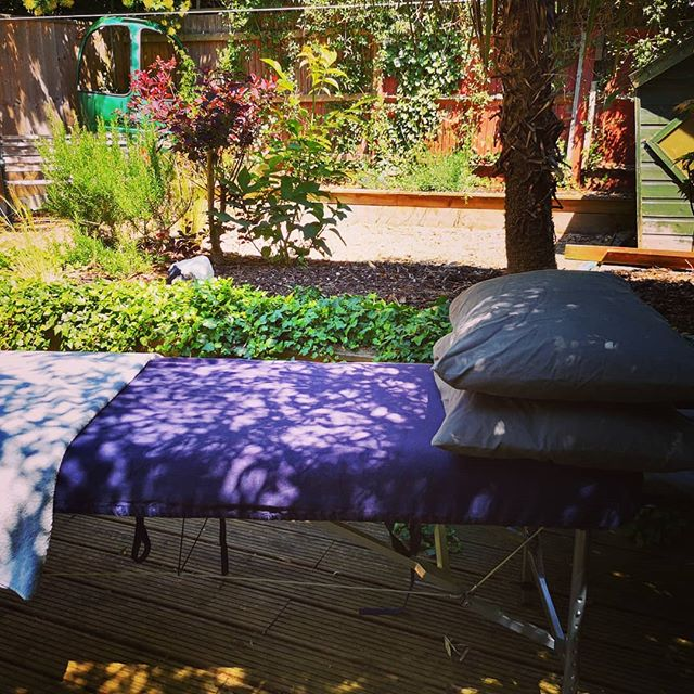 Perks of being a mobile therapist- today's client has a lovely private, shady garden. #sportsmassage #softtissuetherapy #rehab #mobiletherapist #selfemployedlife #summertime #perksofthejob
