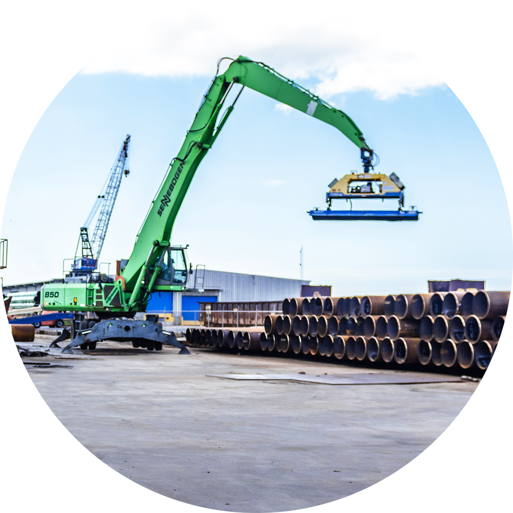 Coated Line Pipe Loading with Green Crane