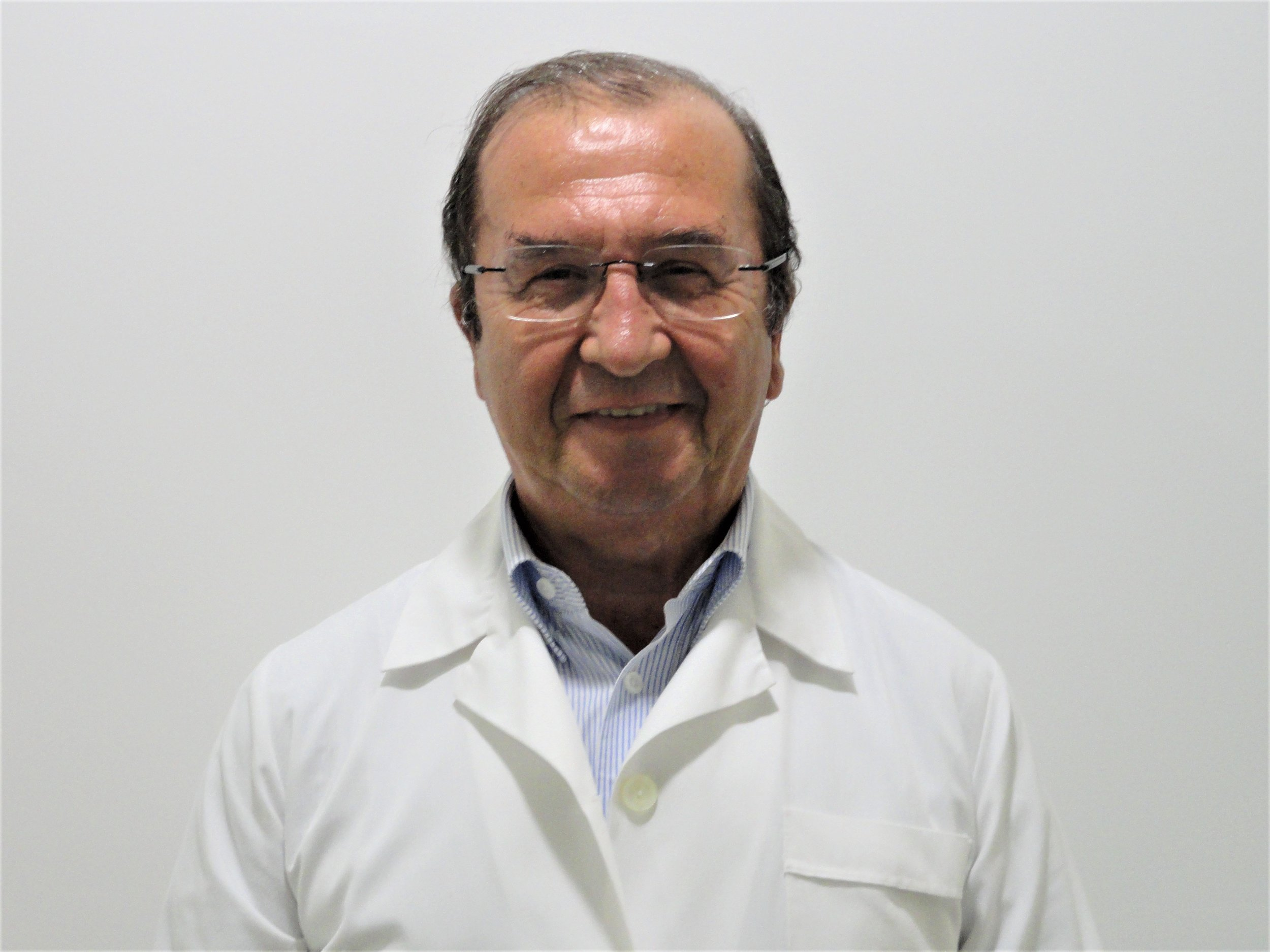Dr. António Carvalheira Santos copia - Pneumologia (2).jpg