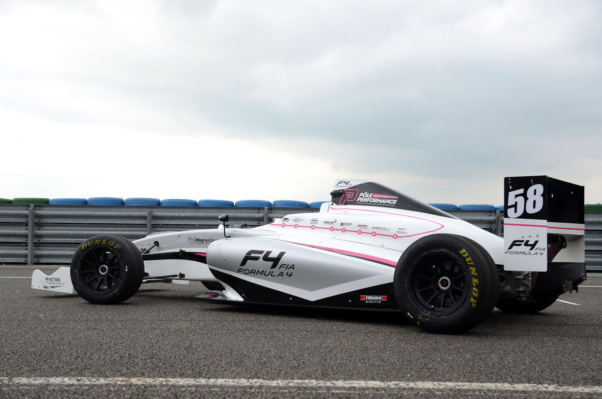 Formula 4 single seater with Ferodo Racing brake pads