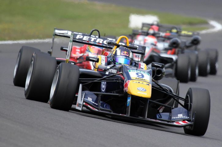 Formula European Masters single seaters are equipped with Bosch Motorsport electronics.