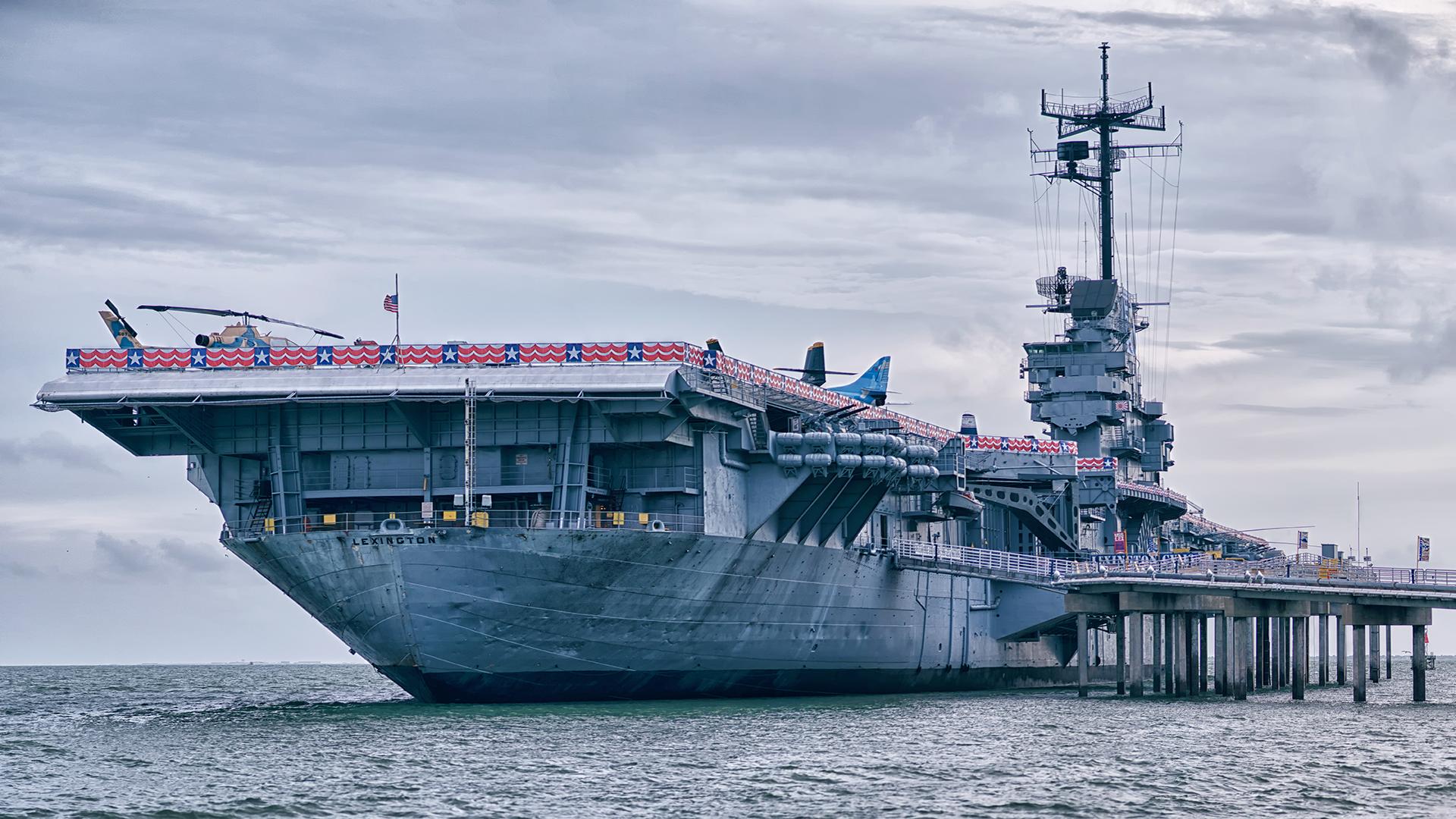 iStock-USS Lexington dockt in Corpus Christi540206560web.jpg