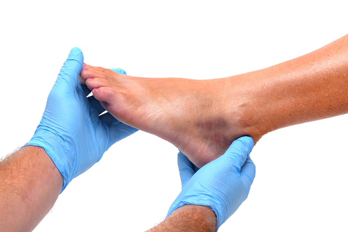 14202058_L__man_foot_podiatrist_examine.png