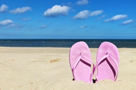 13034728_S_flip_flops_sandals_beach.jpg