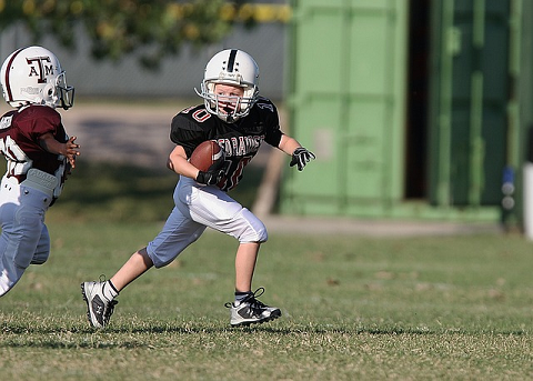 football_Player_Ball_Game_Sport_Child_1623096_S_.png