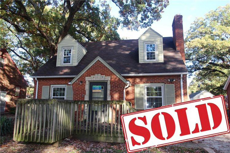 $149900 - 2911 35th Street, Des Moines3+2Quintessential Beaverdale Brick!